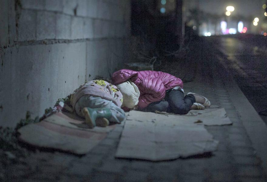 Where children sleep Syrian refugee crisis (7)